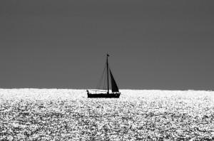 boat_at_sea_194807